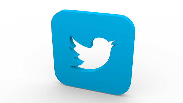 Twitterのアカウントを作りました。